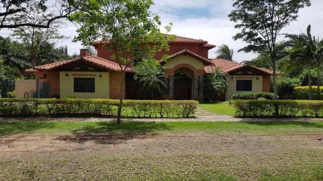 C163. Hermosa Residencia En Surubií!!!