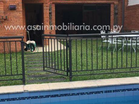 Hermosa Casa Moderna Barrio Mburicao 3 Suites