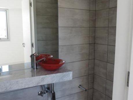 Alquiler De Apartamentos En Punta Carretas, 3 Dormitorios