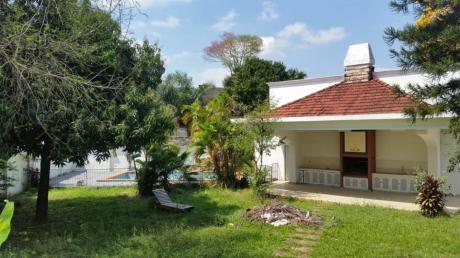 Alquilo Hermosa Residencia En Barrio Ycua Sati,