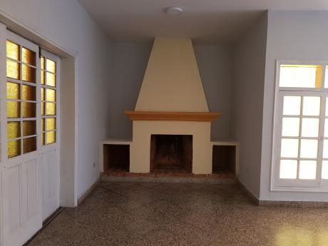 Hermosa Casa A Media Cuadra De Bruno Guggiari Y Fdo, De La Mora
