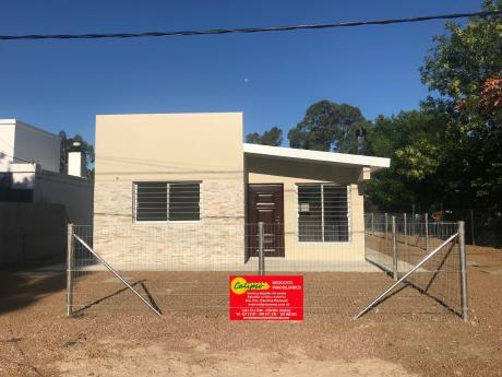 Atlantida Norte - 2 Dormitorios- Casa- Inmobiliaria Calipso