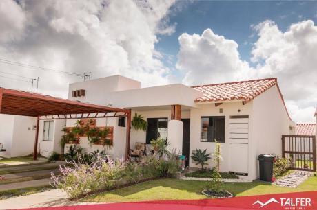 Casa En Venta Totalmente Equipada En El Condominio Fontana La Riviera 1.
