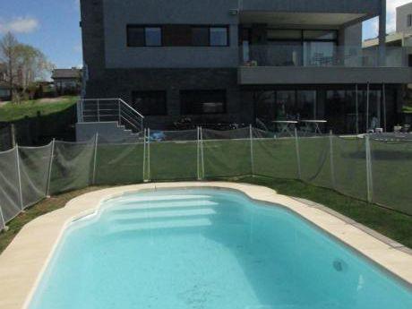 Imperdible Casa Diseño Muy Moderno En Lomas !!