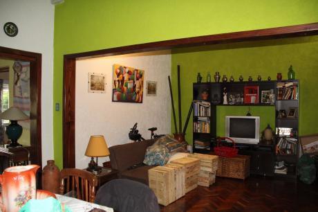 Bella Casa En La Zona Unión