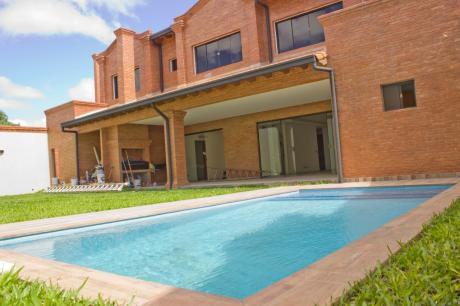 Vendo Espectacular Residencia En Villa Aurelia - A Estrenar