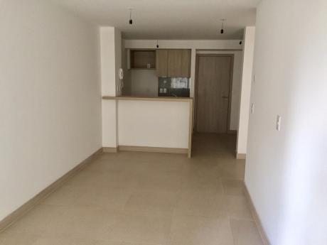 Venta De Apartamento 1 Dormitorio A Estrenar, En Pocitos!