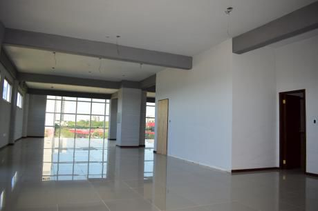 Alquiler De Oficinas En Edificio Kuarahy