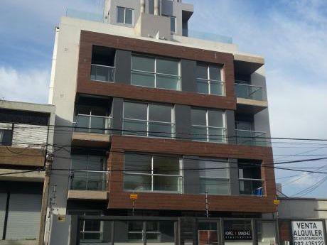 Con Renta!!! Apartamento Monoambiente En Rambla De Malvín