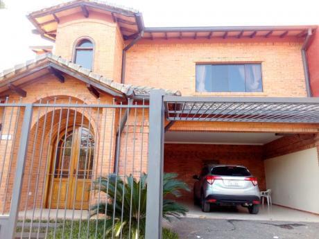 Casa De 4 Dormitorios En Mburucuya