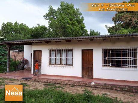 Casa Con Amplio Terreno En Venta