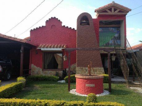 Hermosa Casa En Venta  En Condominio Bella Vista Carretera A Cotoca
