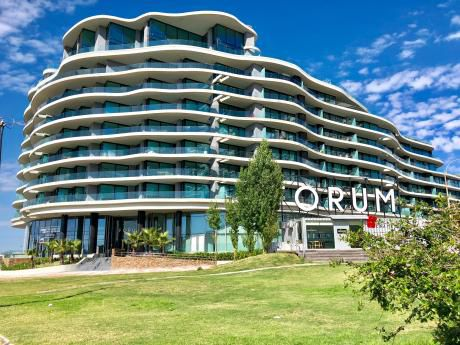 Venta De Apartamento De 2 D En Suite + Serv. Forum Buceo
