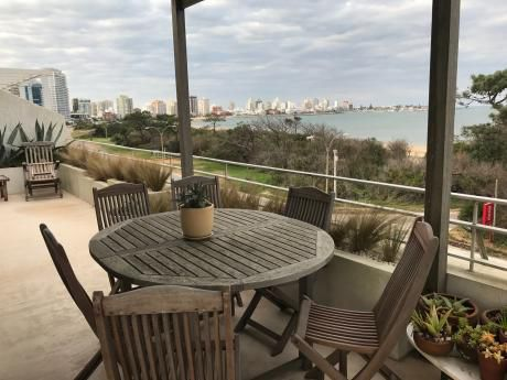 Amplio Apartamento Parada 7, Playa Mansa