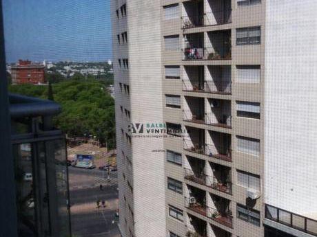 Oportunidad, Venta  Apartamento De 1 Dormitorio En Tres Cruces.
