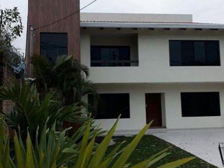 Hermosa Casa Amplia En Condominio Cerrado Cuidad Jardin