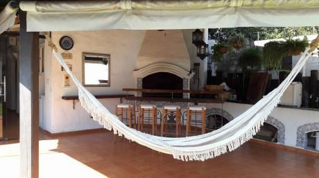 Vendo Hermosa Casa Colonial En Barrio Seminario