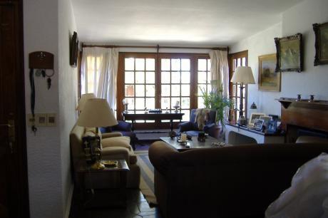 Se Vende Casa De 4 Dormitorios En Parque Miramar