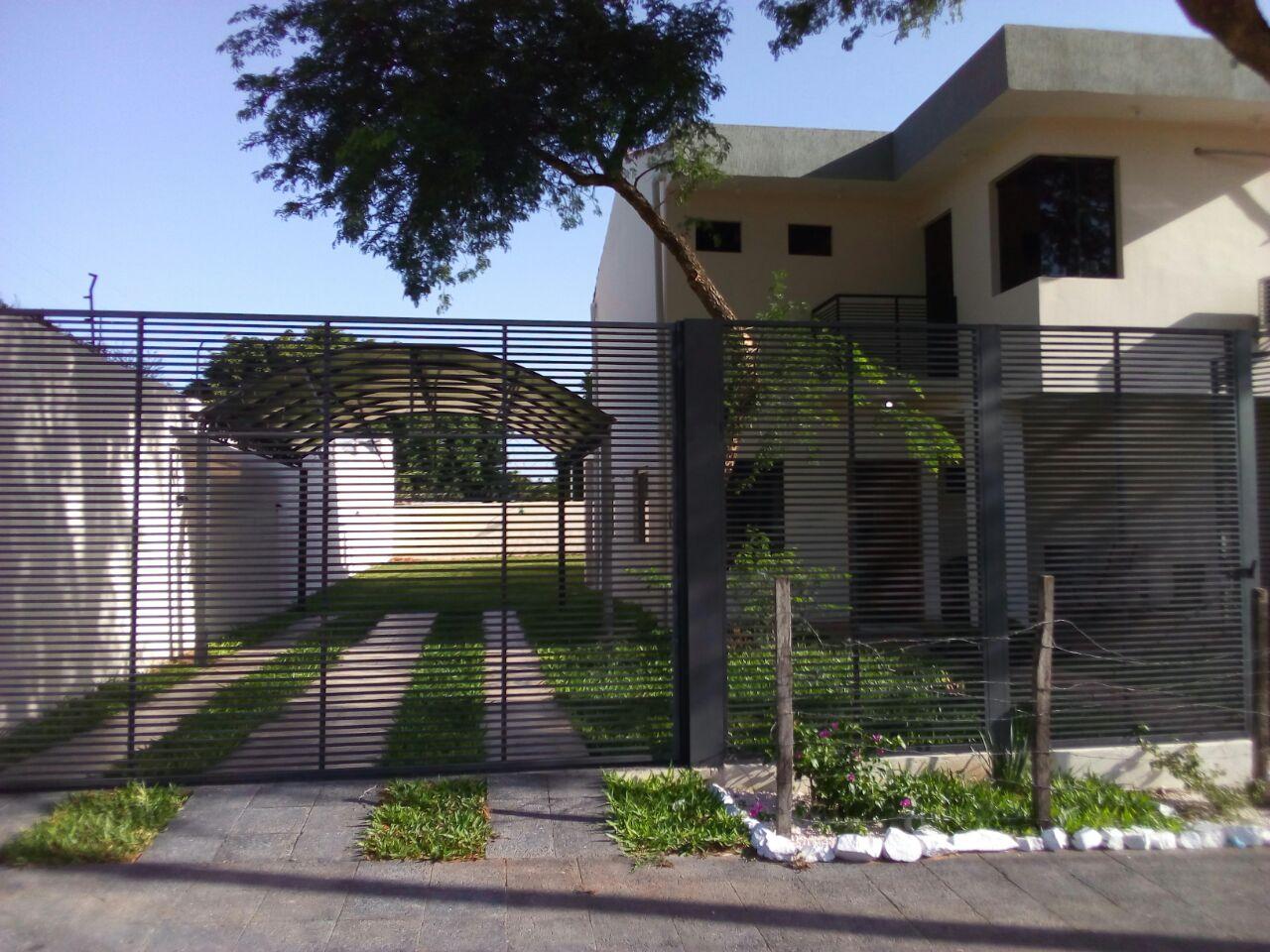 Vendo Hermosa Casa, Zona Lambaré, Colegio Sek