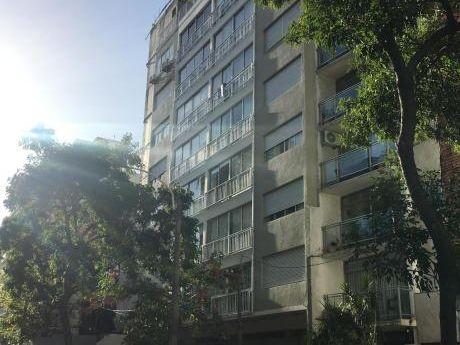 Apartamento En Pleno Pocitos A 2 Cuadras De La Rambla