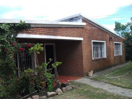 Dos Casas En Un Mismo Padrón En San José De Carrasco, Próximo Al Costa Urbana.