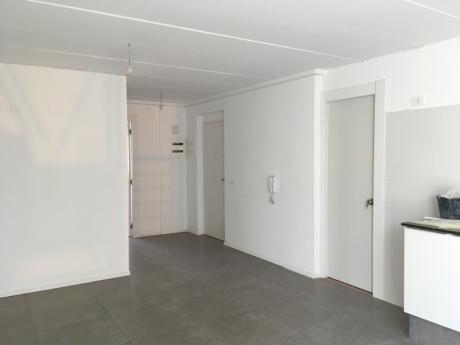 Maldonado Y Paraguay - Apartamento A Estrenar En Venta