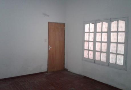 Alquilo Casa De 2 Dormitorios En Asuncion Barrio San Pablo