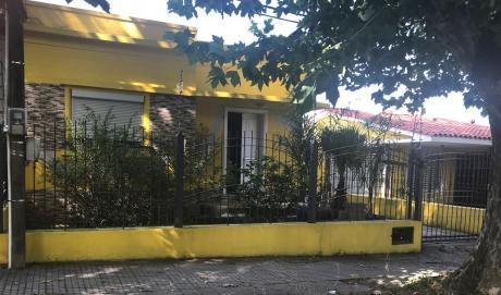 Casa En Colon Muy Cómoda Prox Garzon.