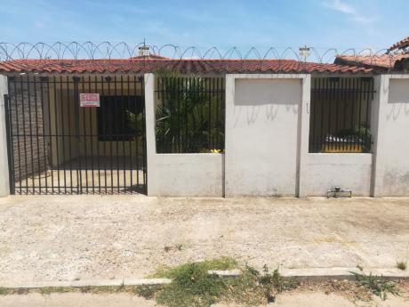 En Alquiler Casa Independiente Zona Av. Beni Entre 4to Y 5to Anillo