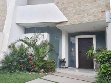 Casa En Venta Zona Norte 7mo Anillo Diagonal Col. San Lorenzo