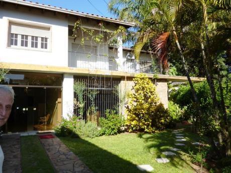 Tierra Inmobiliaria Vende - Casa Con Salones Comerciales En El Centro!