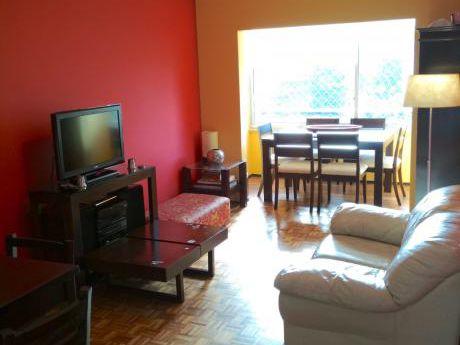 Venta Pocitos 2 Dormitorios, Cocina Definida, Calefacción Y Vigilancia
