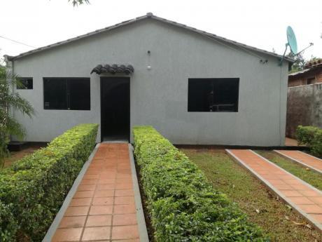 Alquilo Casa En Luque A Cuadras Del Juzgado De 1ra Instancia! Agua Incluida