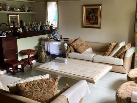 Imperdible Casa Sobre Ferrari, 4 Dorm, Fondo, Piscina, Barbac, U$s  470.000