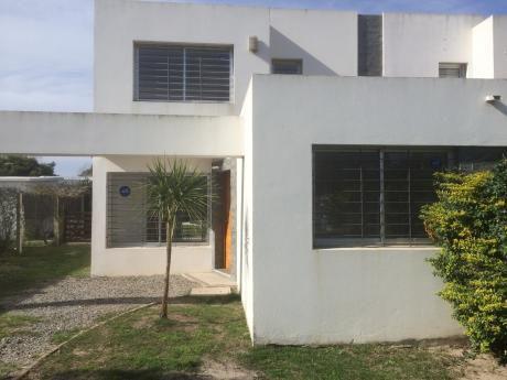 Casa En Médanos De Solymar 2 Plantas