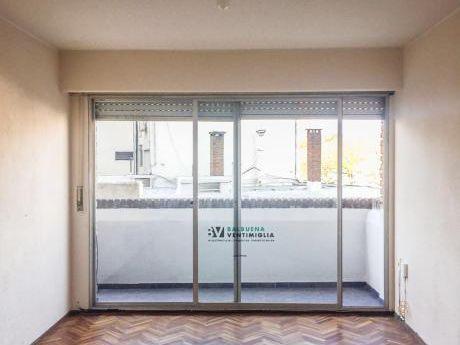 Apartamento De 3 Dormitorios Y Garaje - Alquiler - Malvin