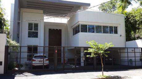 Alquilo Residencia Minimalista – Detrás Del Shopping Del Sol