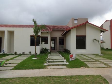 Urubo  Cond. Santa Cruz De La Colina - Bonita Casa En Venta