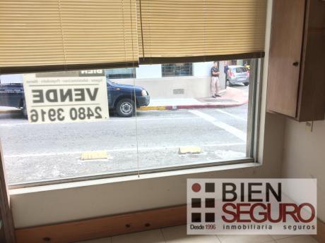 Local Comercial En Alquiler En Ciudad Vieja. Ideal Estudio U Oficina!