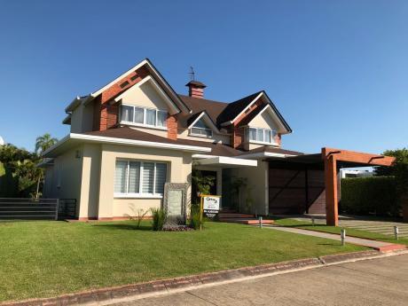 Casa En Alquiler Colinas Del Urubo, Sector I