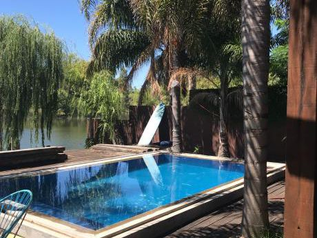 Casa Con Fondo Al Lago