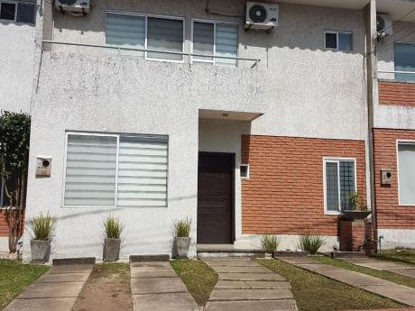 Casa En Venta En Condominio Cerrado Z/ Norte Remanso
