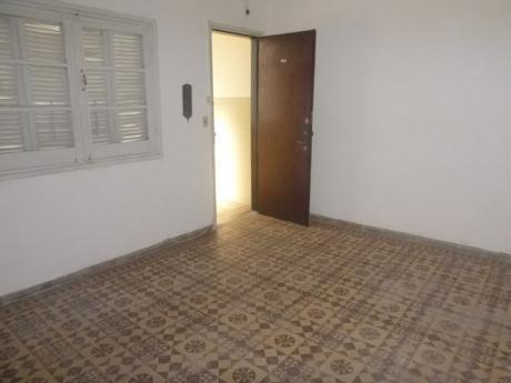 Apartamento De 1 Dormitorio Centro