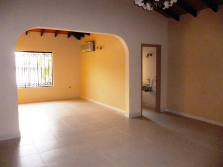 Alquilo Casa En Asuncion - Barrio Villamorra