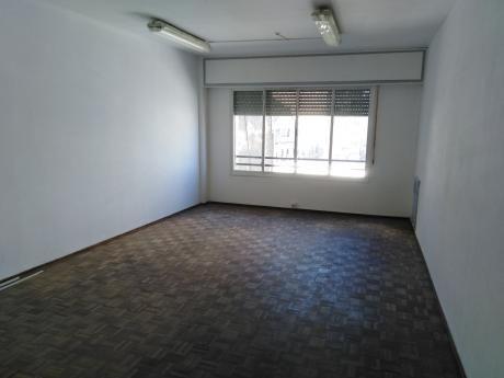 Excelente Apartamento Para Vivienda O Consultorio