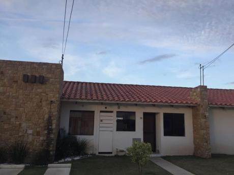 En Alquiler Casa Cond. Fontana La Riviera 1 Zona Norte