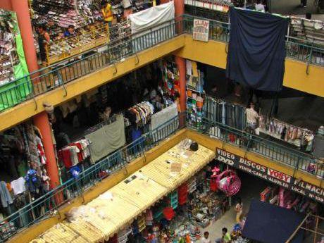 En Pleno Centro En Venta Local Comercial En El Moderno Mercado Los Pozos