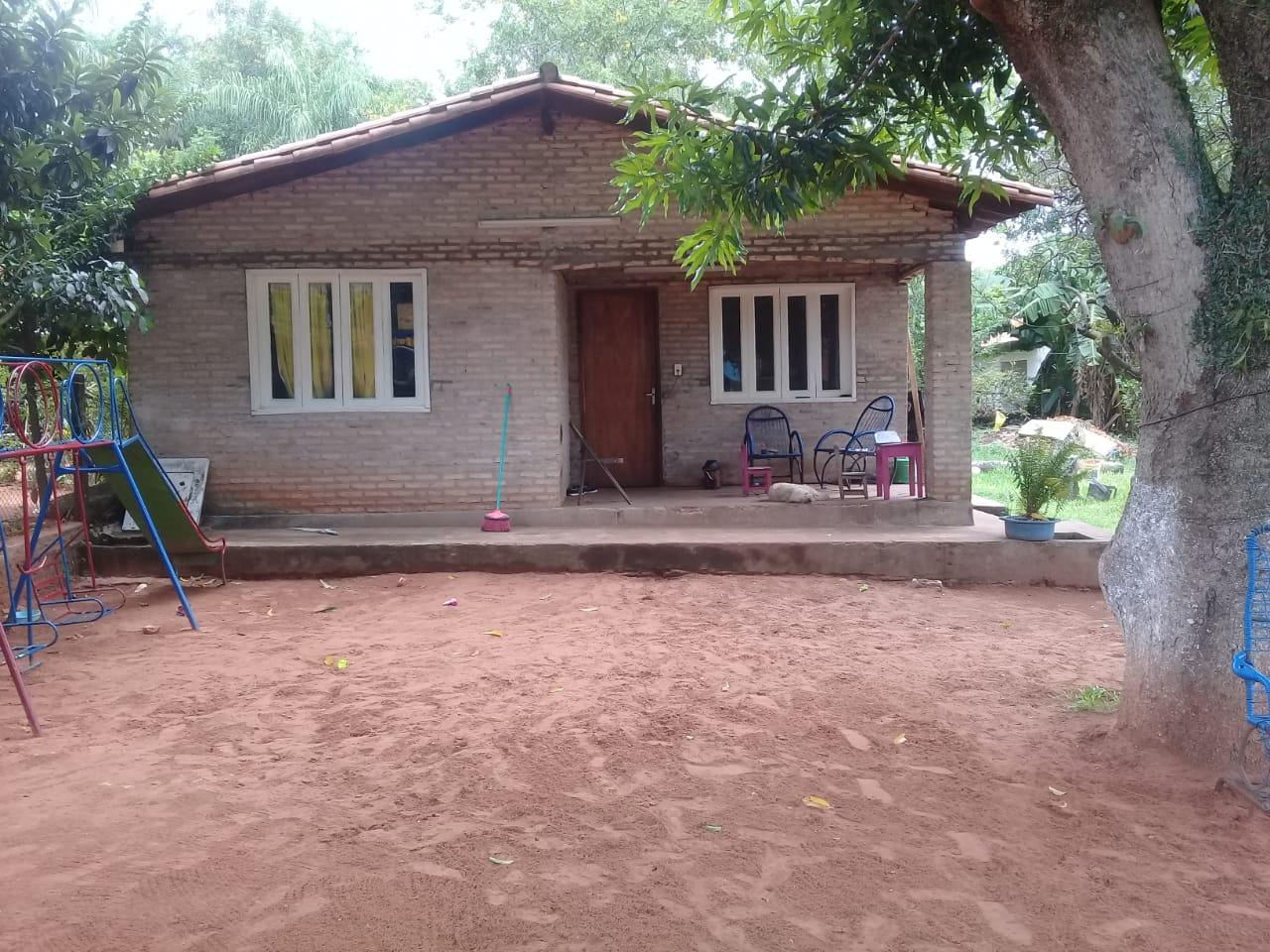 Vendo Casita Con Terreno En Luque Barrio Primavera
