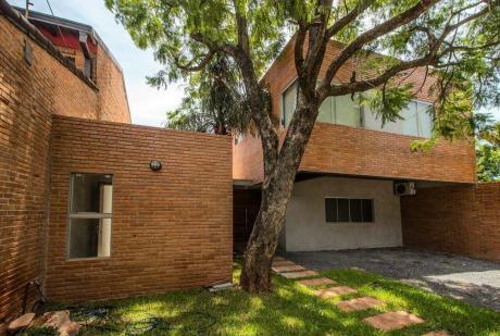 Casa Estilo Minimalista En Lambaré,