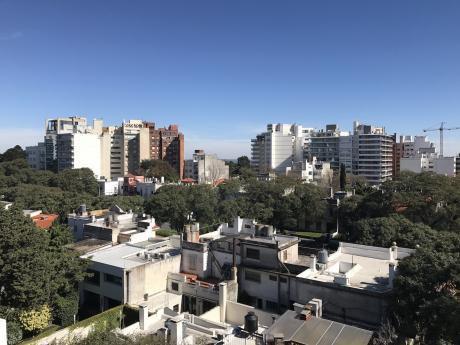 Amplio Apartamento De 3 Dormitorios Y Servicio Pta Carretas
